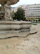 Tagged fountain